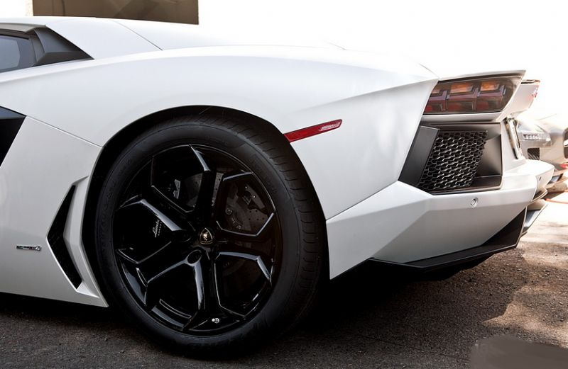 CLEAN CAR DAN 2013 LAMBORGHİNİ AVENTADOR LP 700